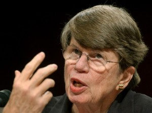 Former U.S. Attorney General Janet Reno testifies before the 9-11 commission in the Hart Senate office building on Capitol Hill in Washington April 13, 2004. REUTERS/Jonathan Ernst  MR/JDP
